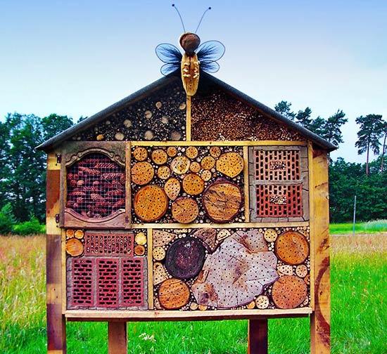 insektenhotel danke f r die bauanleitung anbei ein foto von unserem insektenhotel. Black Bedroom Furniture Sets. Home Design Ideas